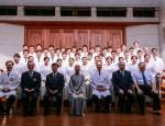 慈濟大學於5月15日舉辦第二屆學士後中醫學系授袍典禮,由證嚴上人親自授袍
